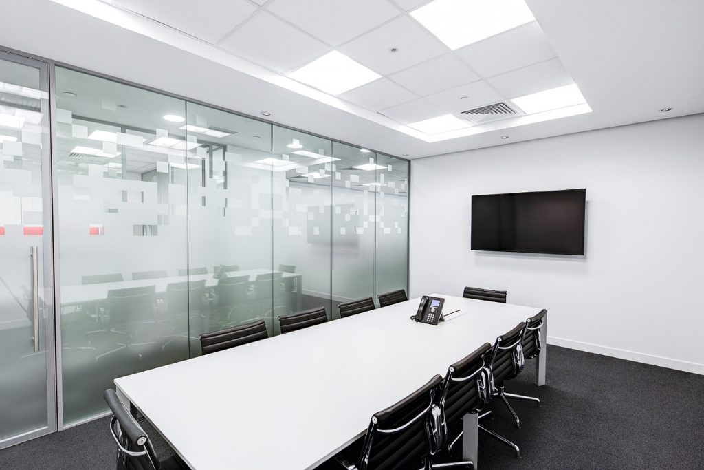 meeting-room-730679_1280-1024x683-1